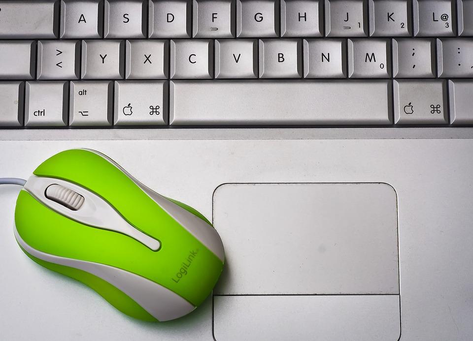 klávesnice a myš
