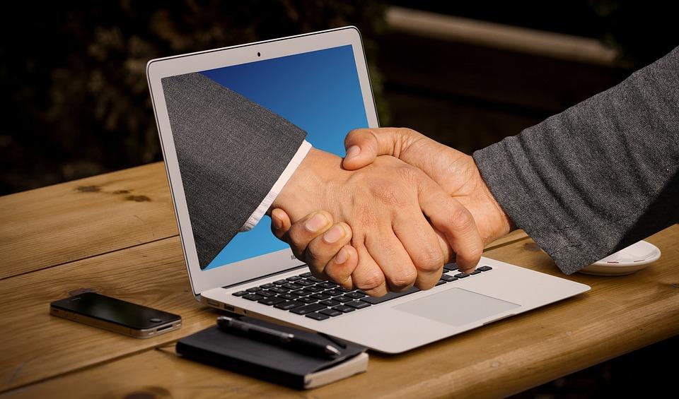 spolupráce přes počítač